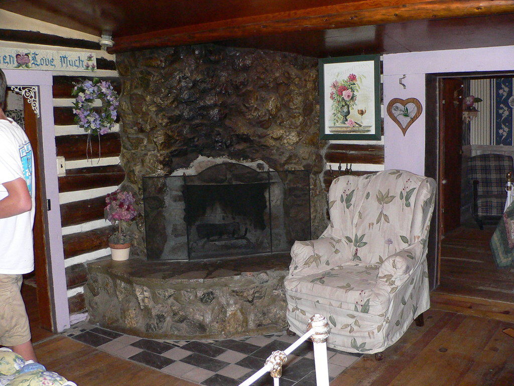 Snowy Pine Cabins & RV