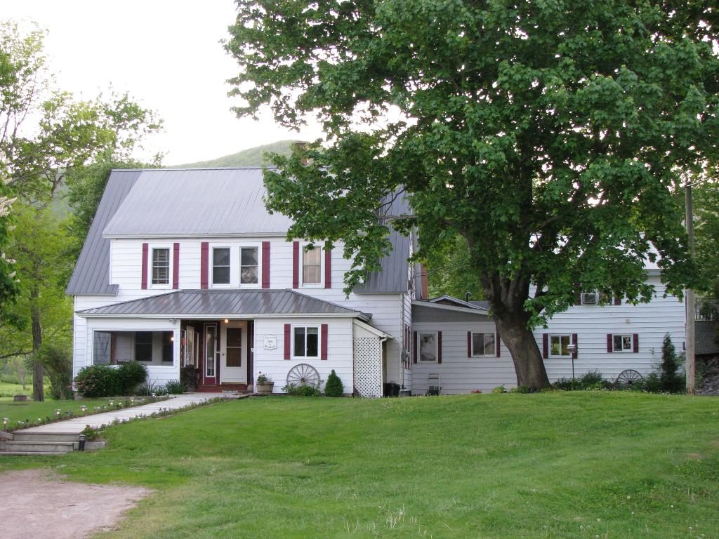 Oakwood Manor Bed and Breakfast