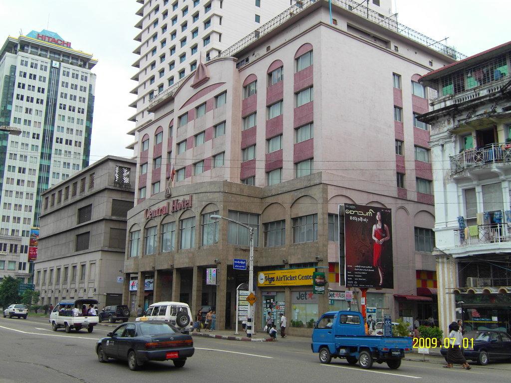 Central Hotel Yangon