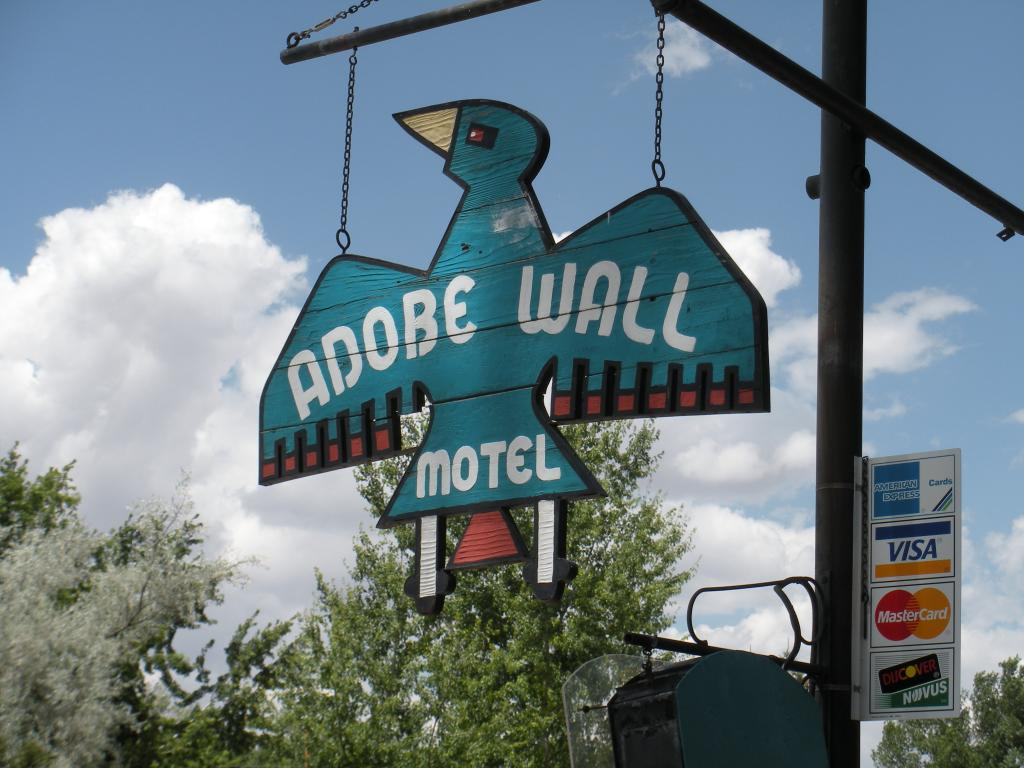 ‪Adobe Wall Motel‬