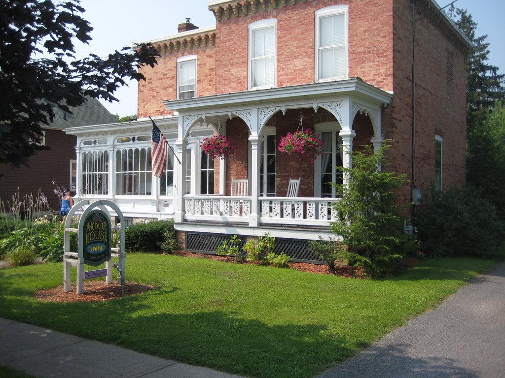 Arbor House Inn