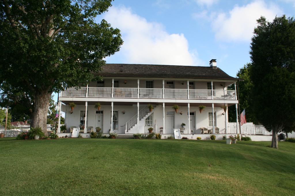 Historic Rose Hotel