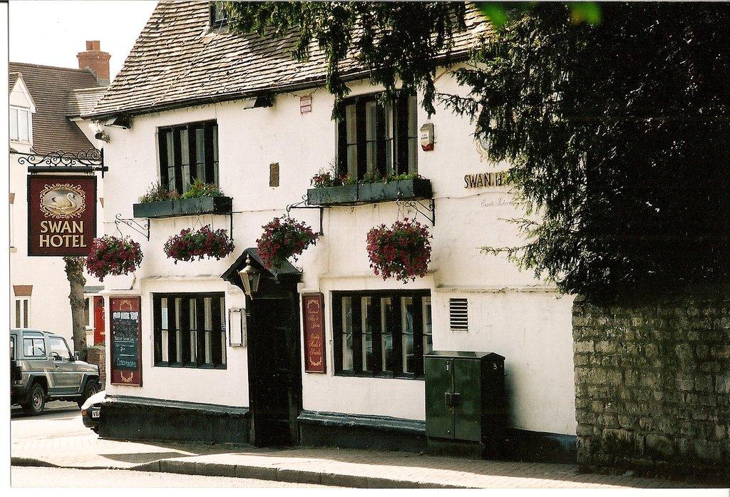 The Swan Hotel & Pub