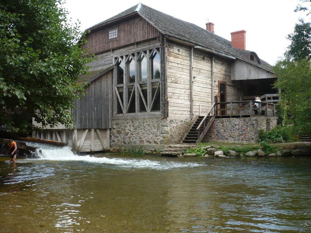 Экспозиция водяной мельницы Гинучяй