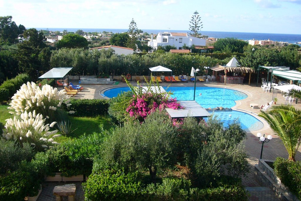 Akrotiri Villas / Artemis Apartments