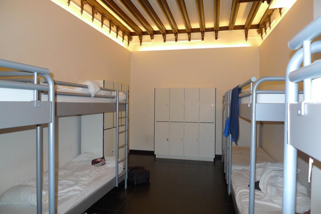 2Go4 Hostel