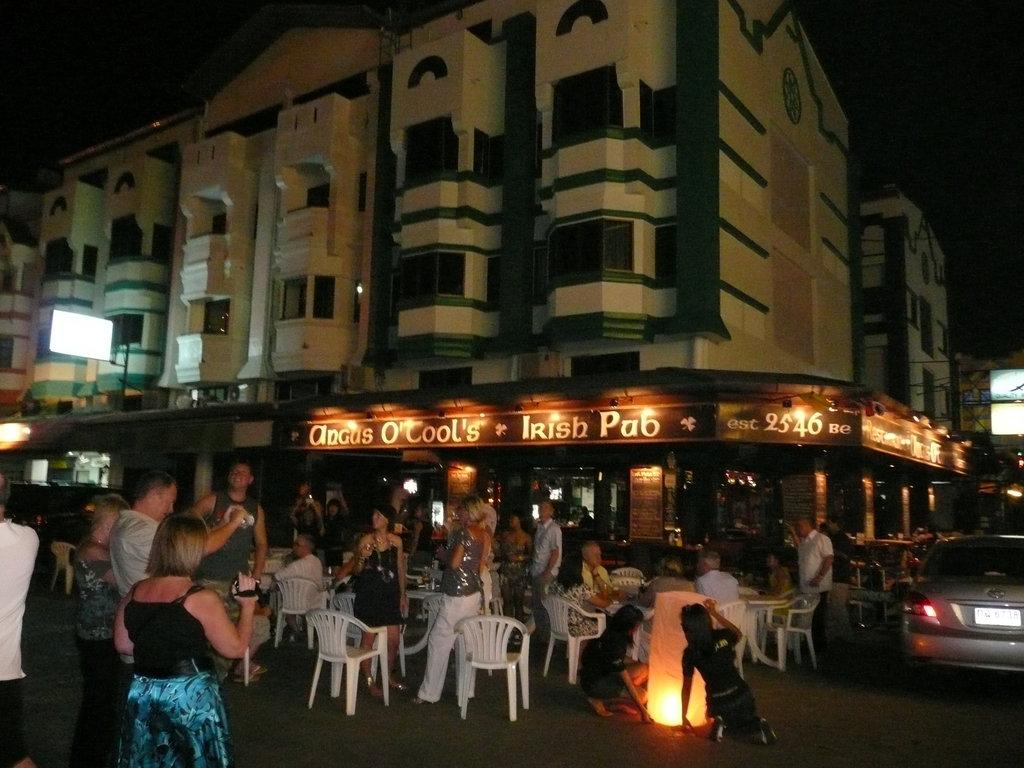 Angus O'Tool's Irish Pub, Restaurant & Guesthouse