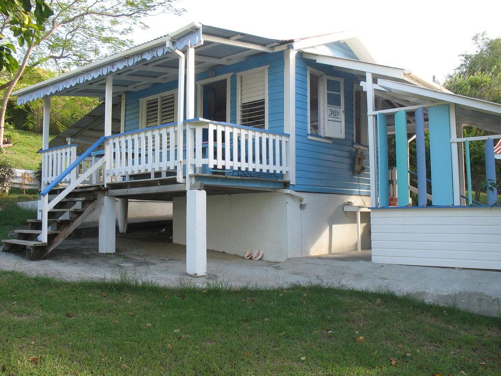 Bayaleau Point Cottages