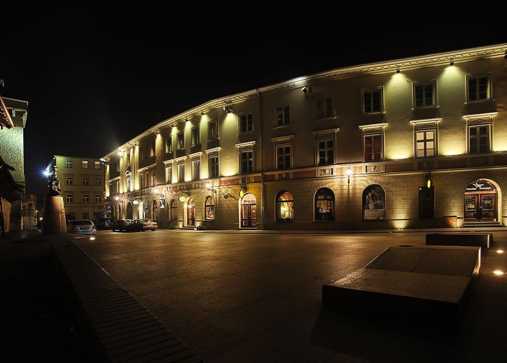 호텔 폴스키 포드 비알림 오를렘