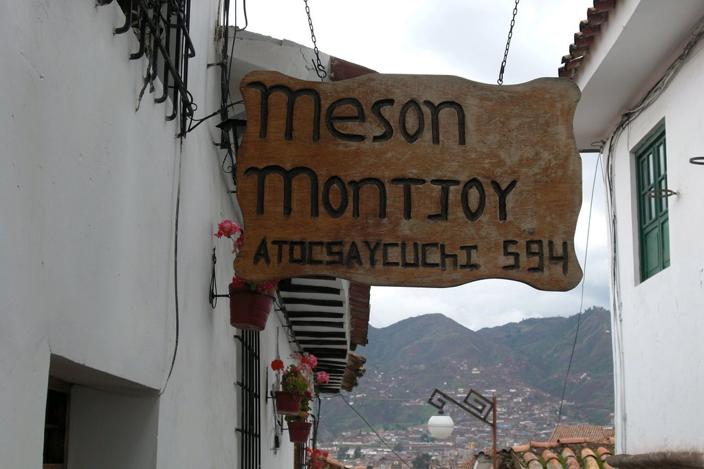 Hostal Meson Montjoy
