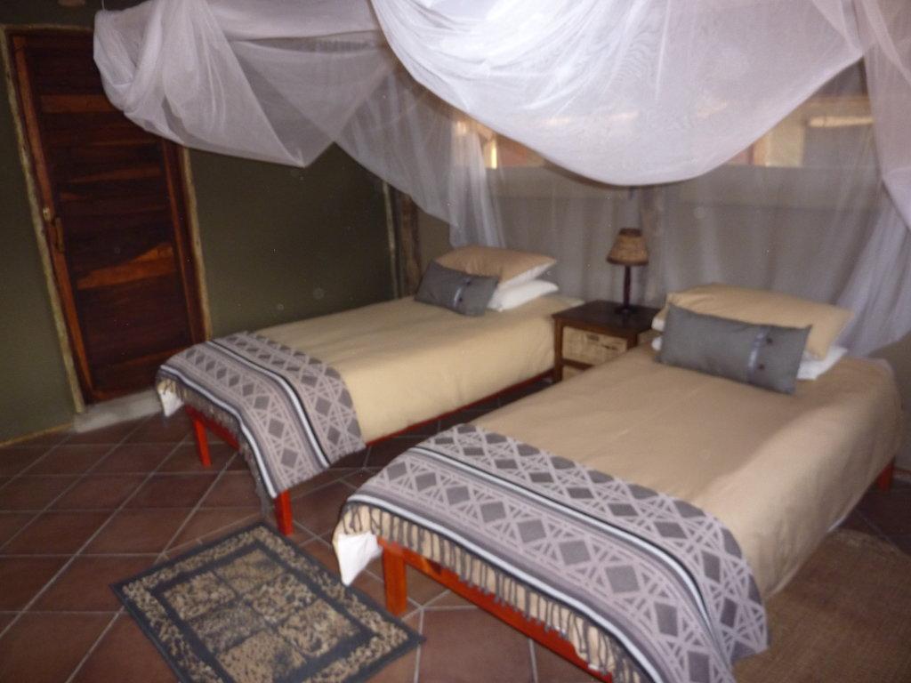 Omarunga Lodge & Campsite