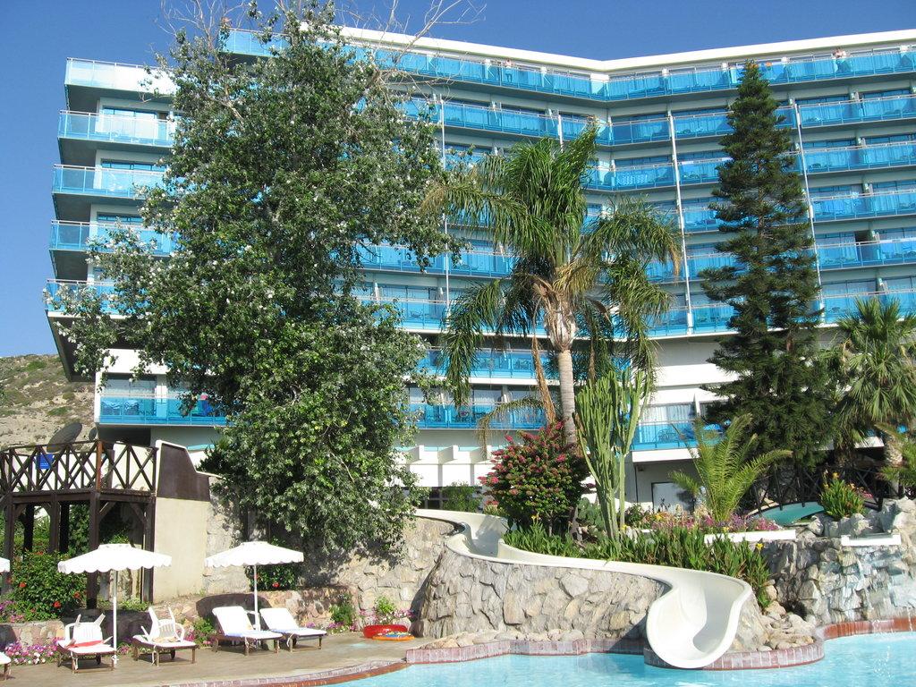 칼립소 비치 호텔