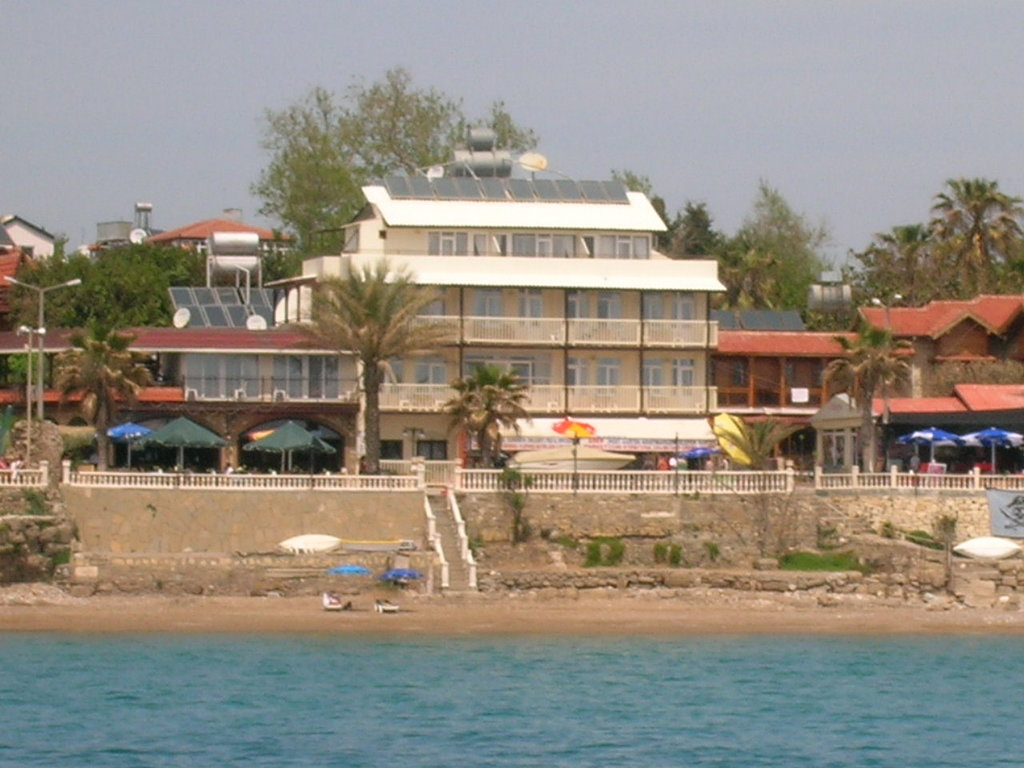 Beach House Otel