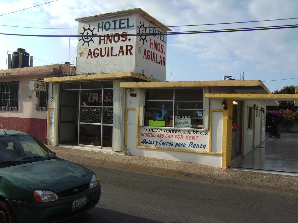Hotel Hermanos Aguilar