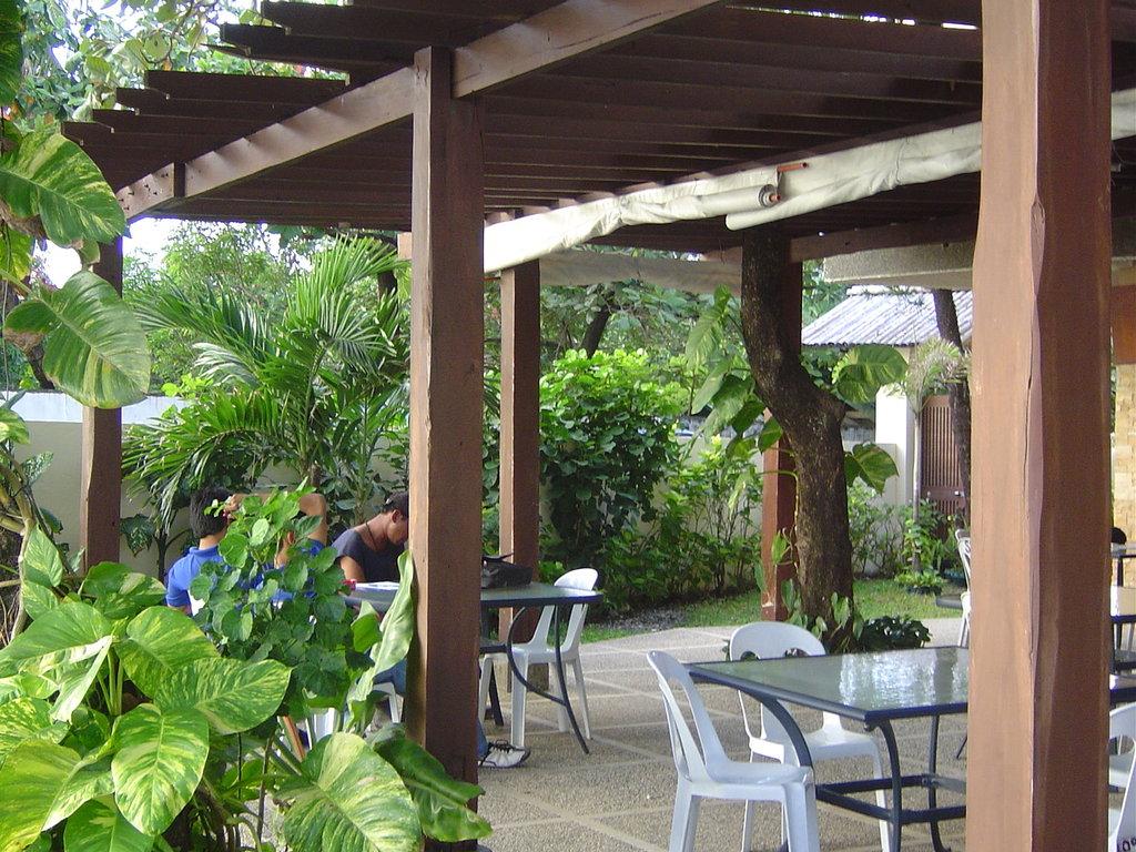 Sikatuna Beach Hotel