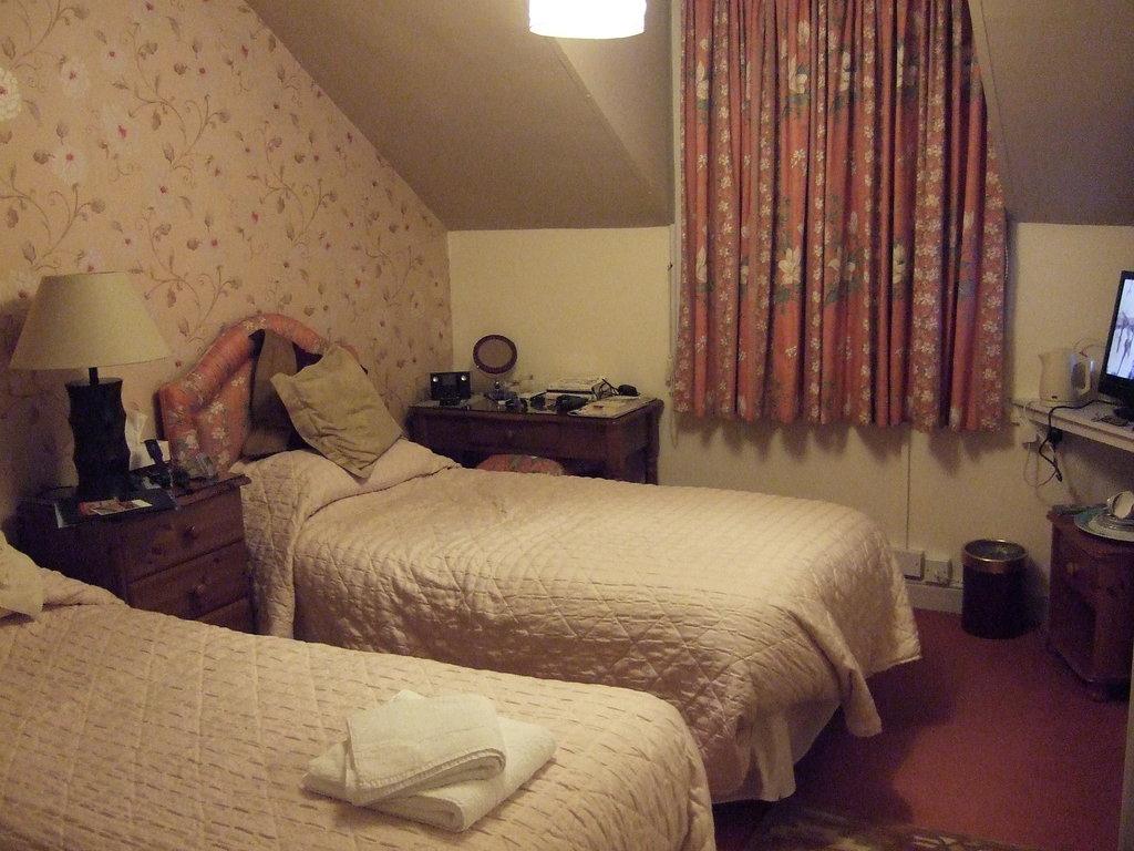 Mayfair Lodge