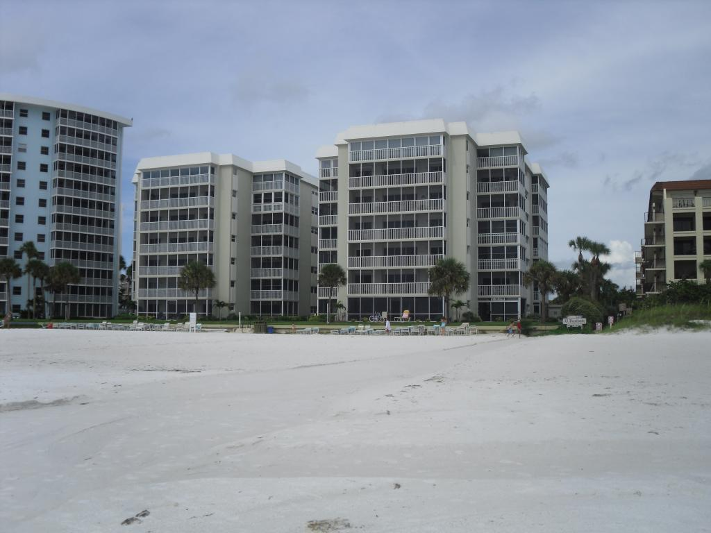 Crescent Arms Condominiums