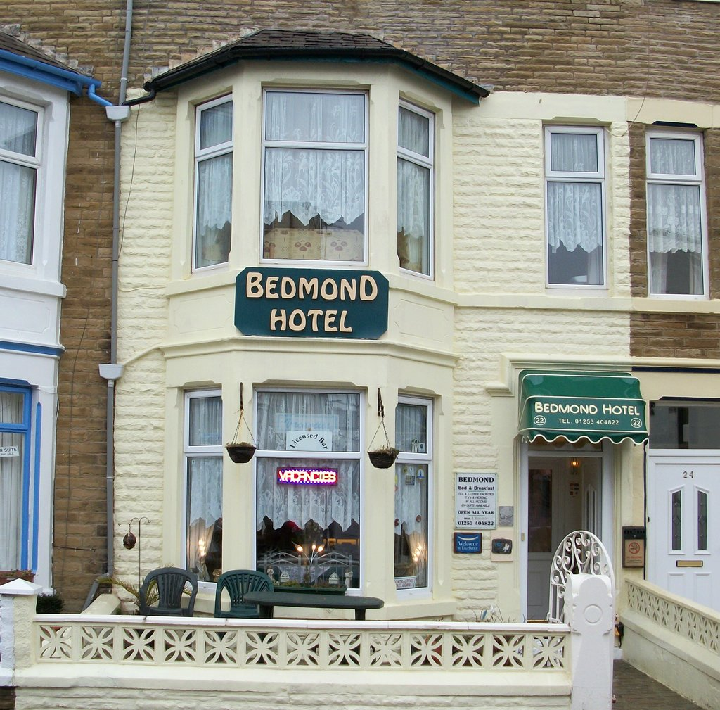 Bedmond Hotel