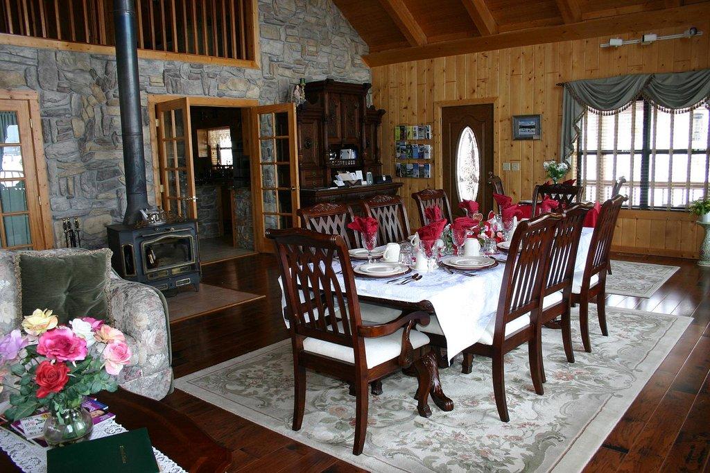 Elkwood Manor Luxury Bed & Breakfast