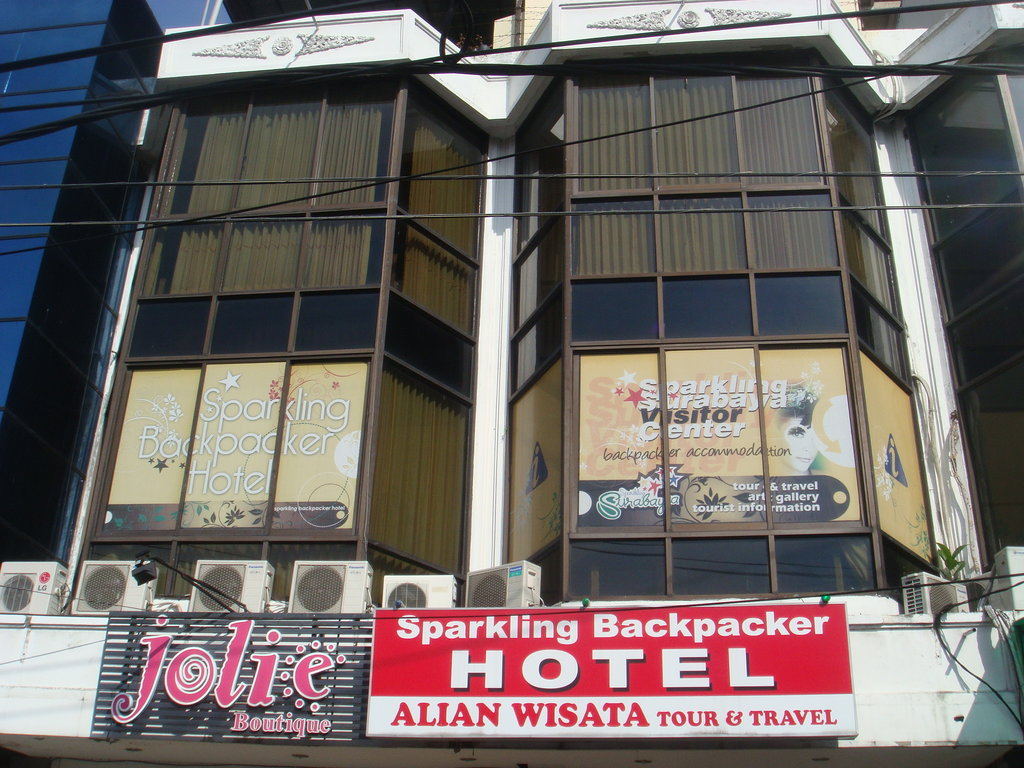 Sparkling  Backpacker Hotel