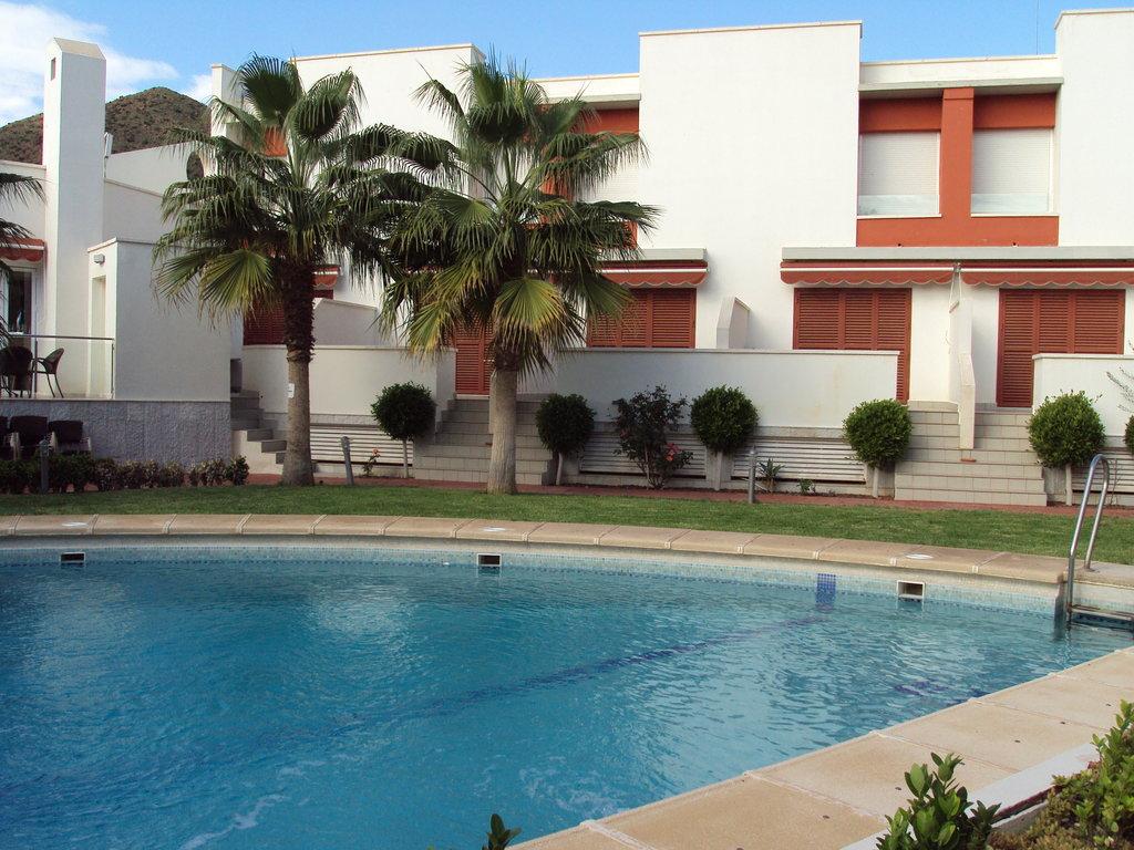 Apartamentos Turisticos La Buganvilla