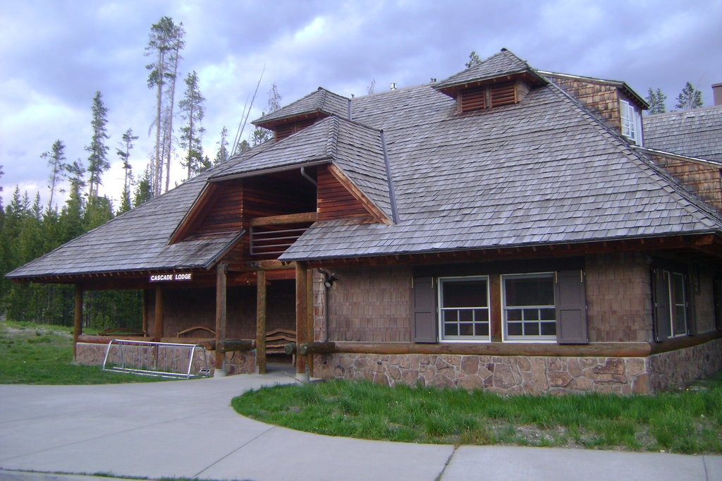 ‪Cascade Lodge‬