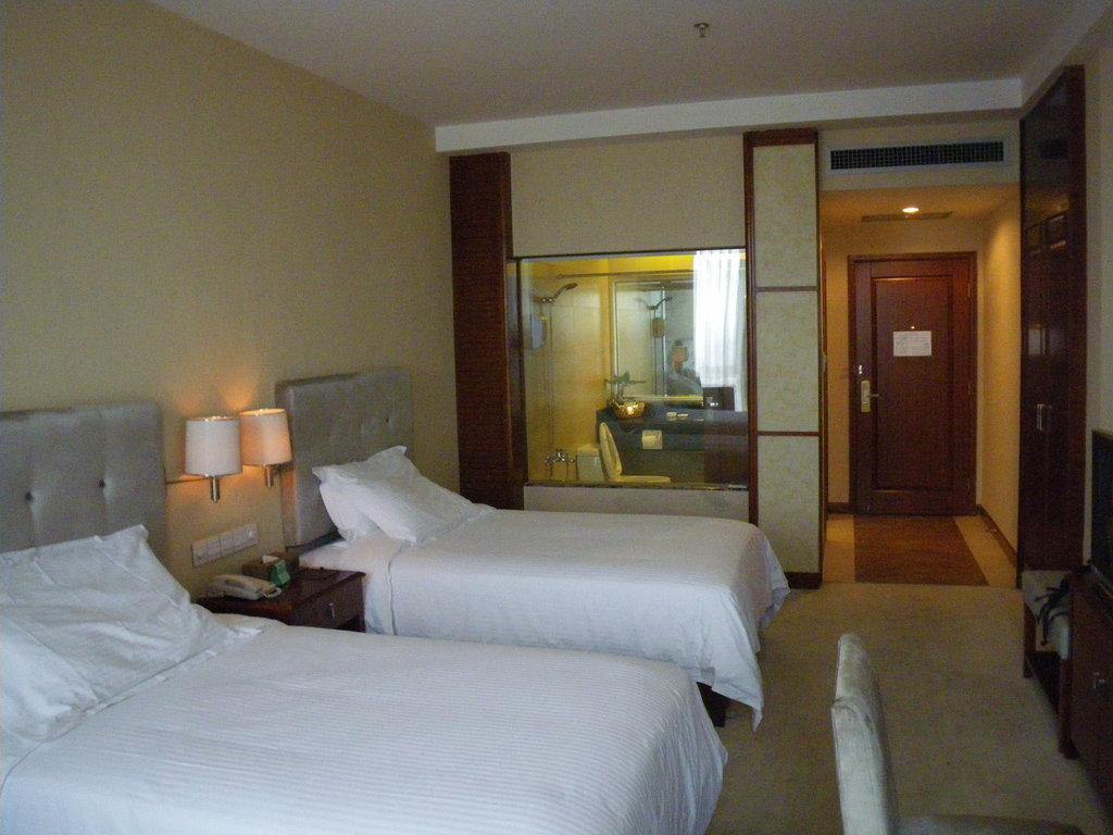 Ming Ren Hotel