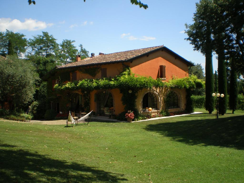 ‪B&B Peschiera Casa Manerba‬
