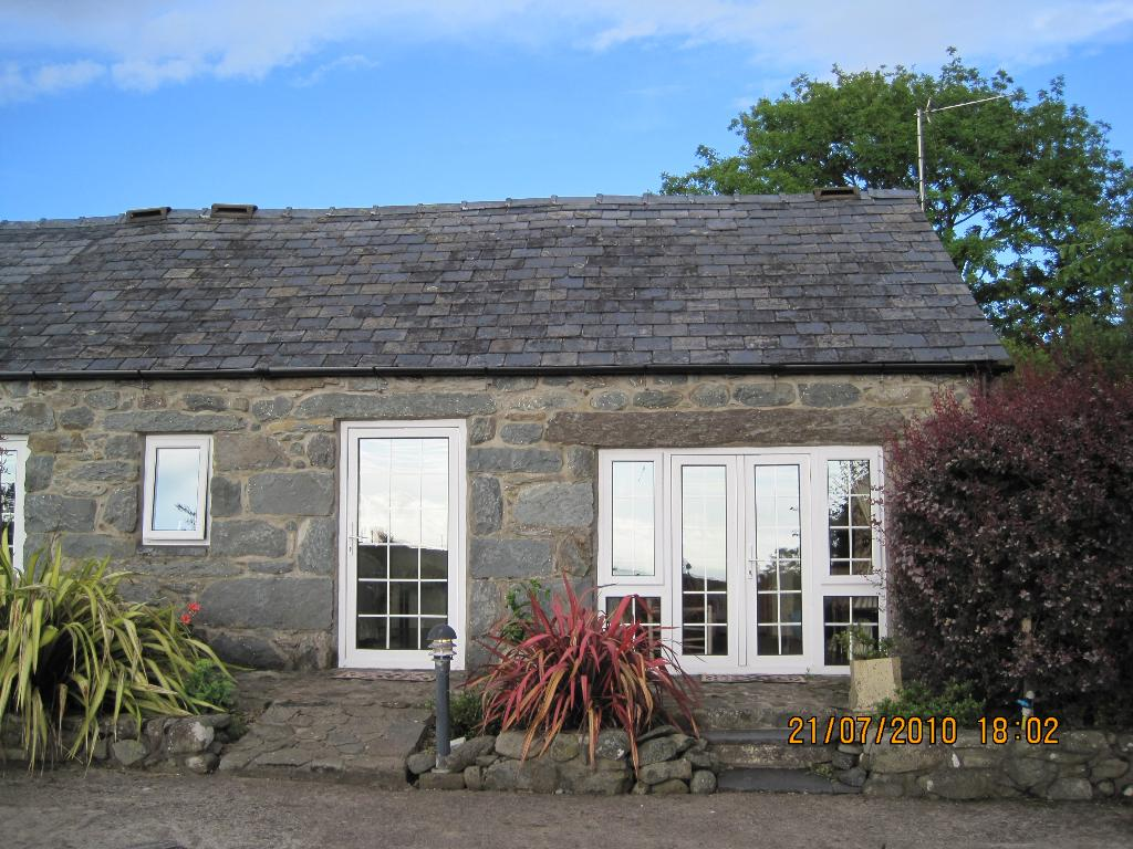 Byrdir Farmhouse and Studio