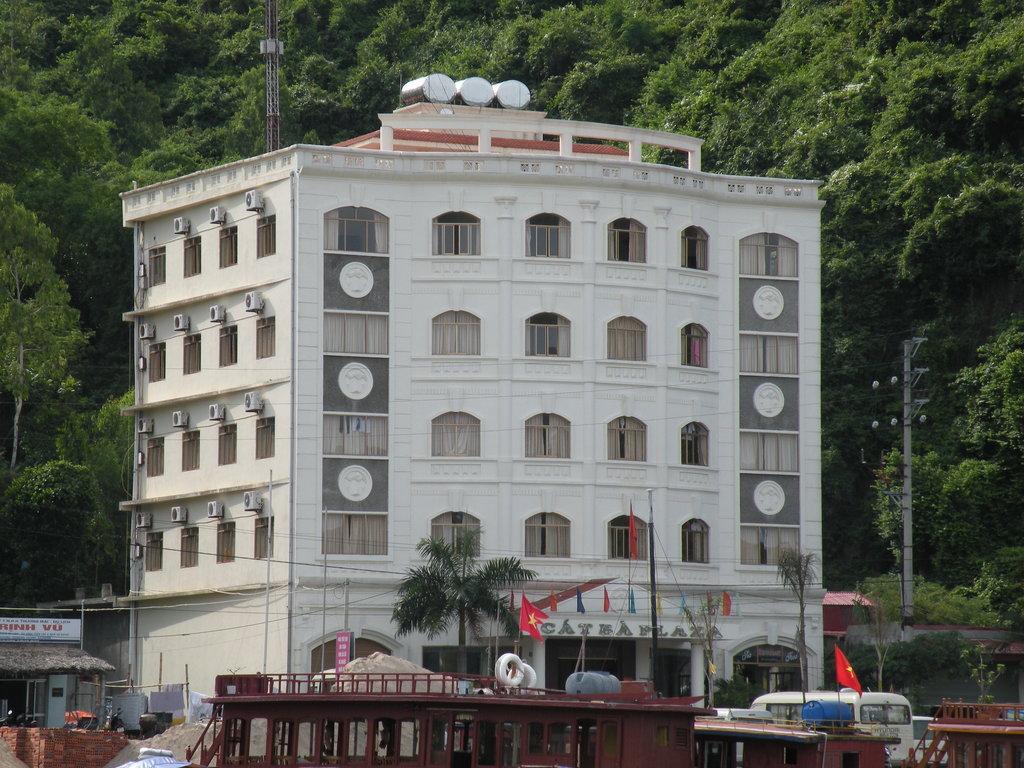 Catba Plaza Hotel