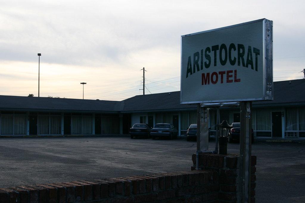Aristocrat Motor Inn