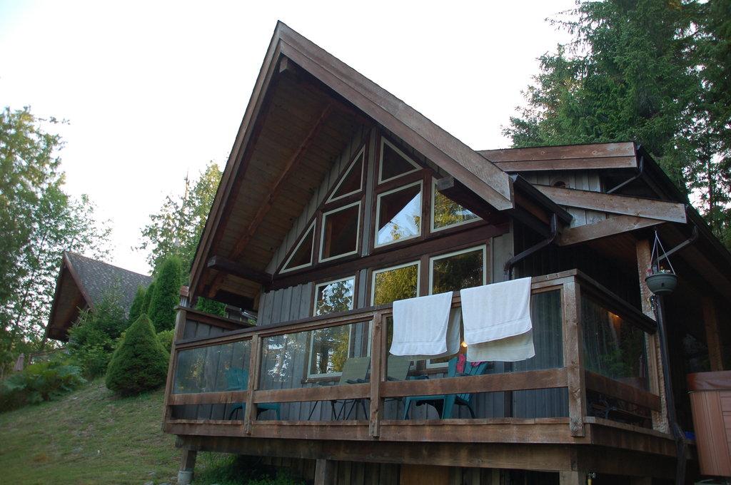 Point West Cottages