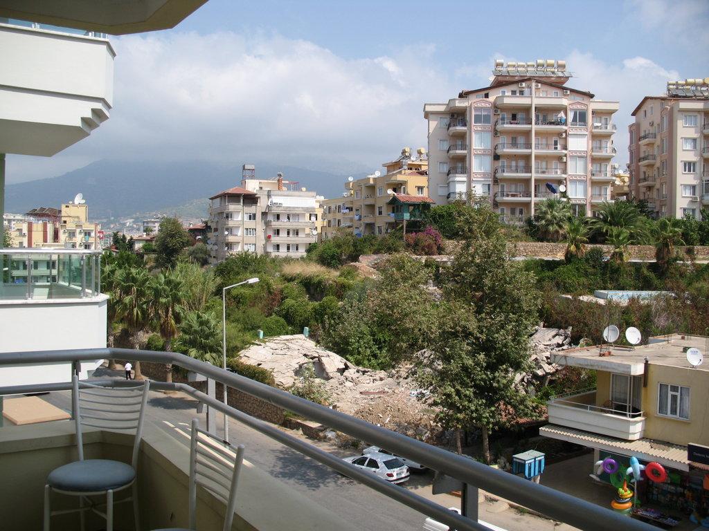 Merlin Beach Hotel
