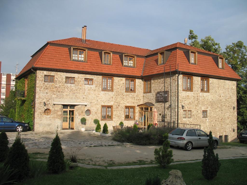 Hotel Kis Helikon