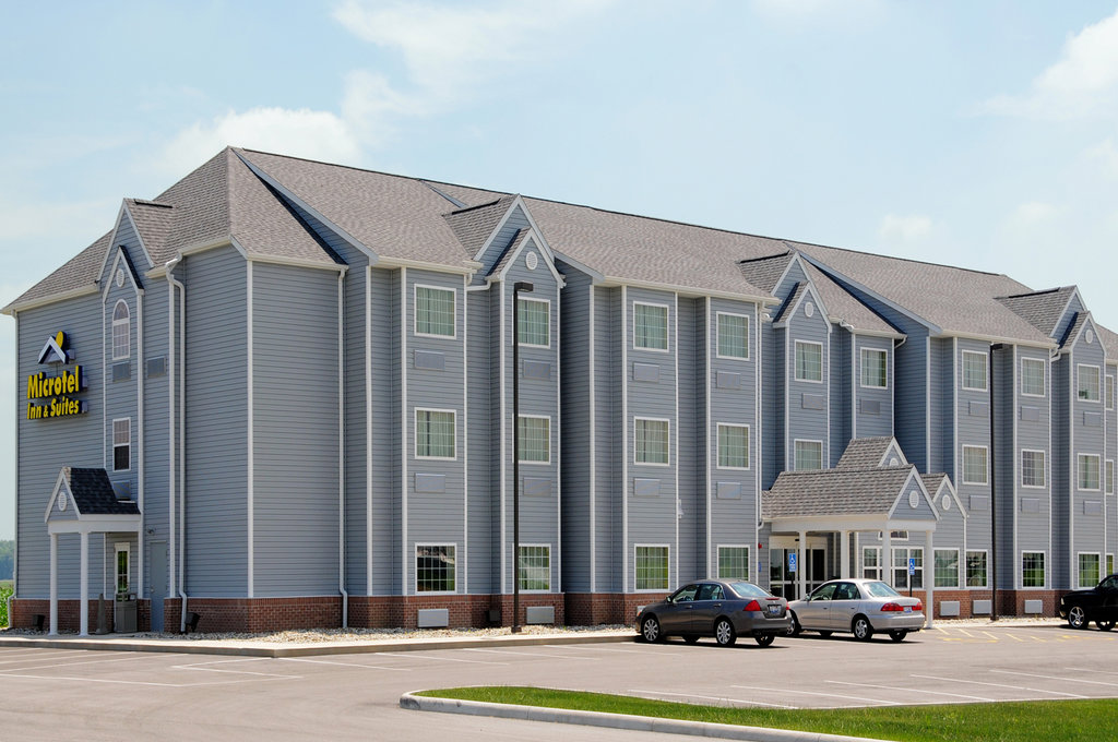 ‪Microtel Inn & Suites by Wyndham Delphos‬