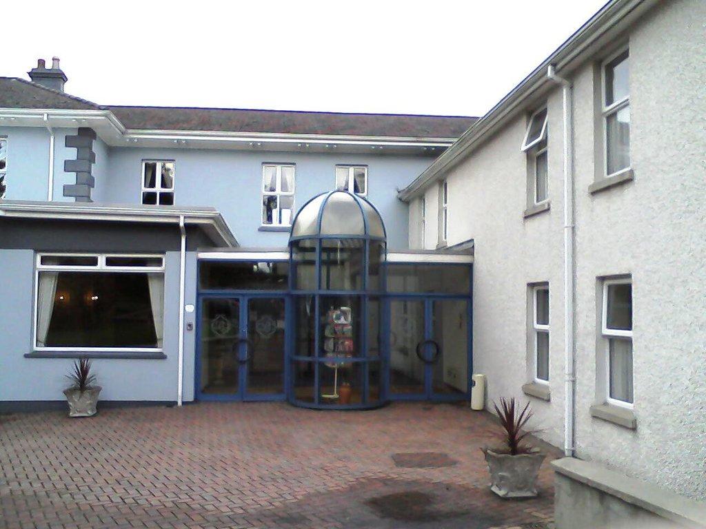Broomhill Hotel