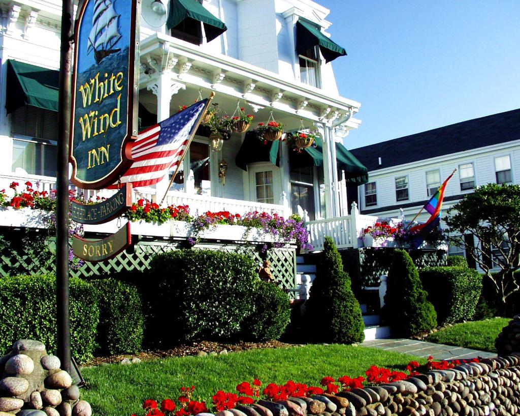 ‪White Wind Inn‬
