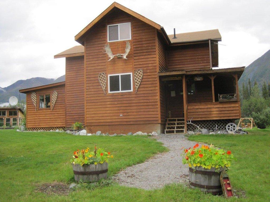 Alaska Halfway House B&B