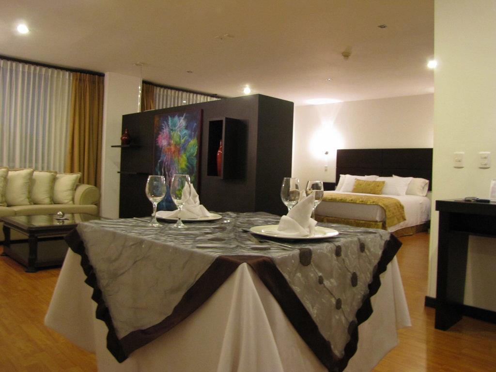Varuna Hotel