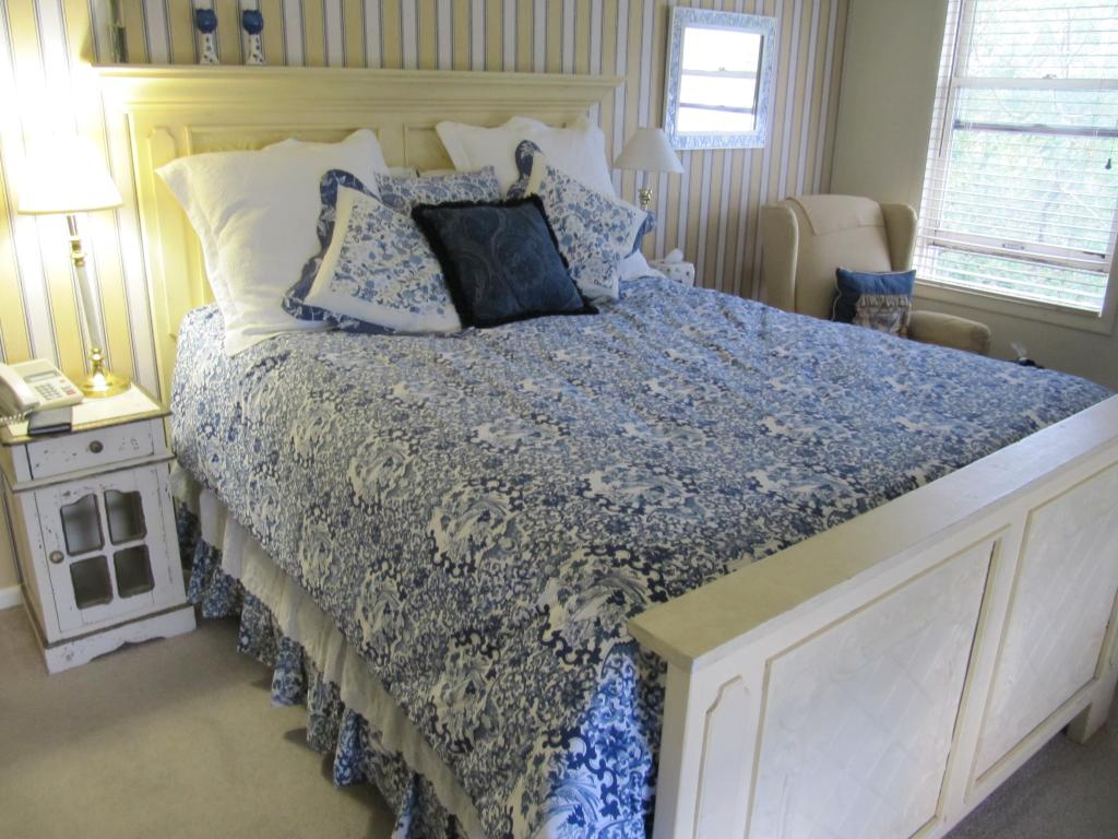 Rooney's Roost Bed & Breakfast
