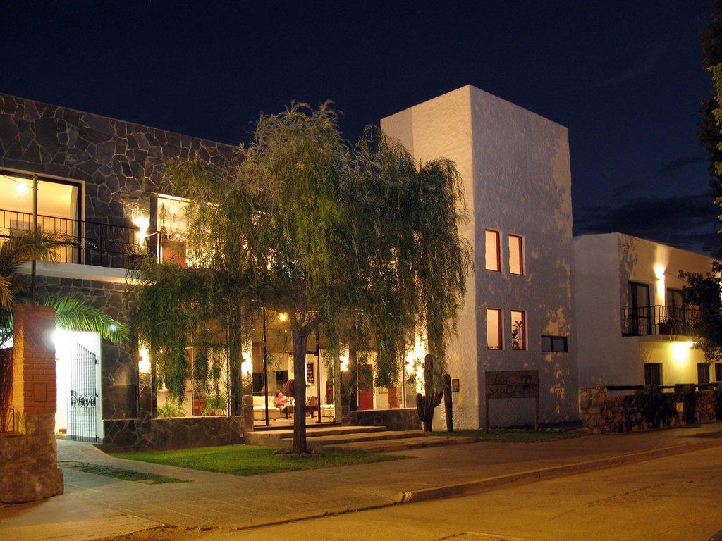 羅斯索斯飯店