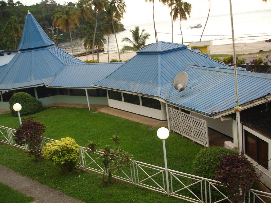 Maracas Bay Hotel
