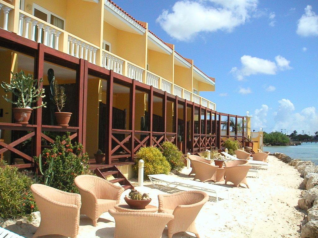 Aruba Beach Chalets