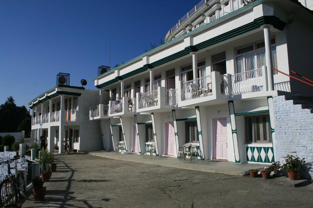 Hotel Uttarakhand Kausani