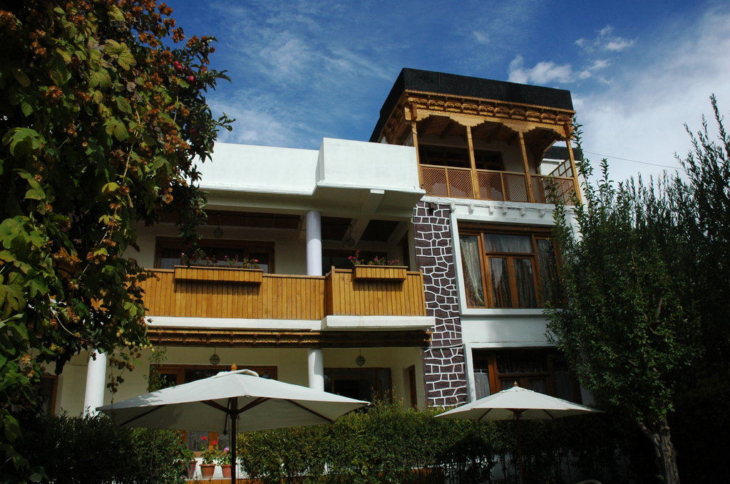 Hotel Pangong
