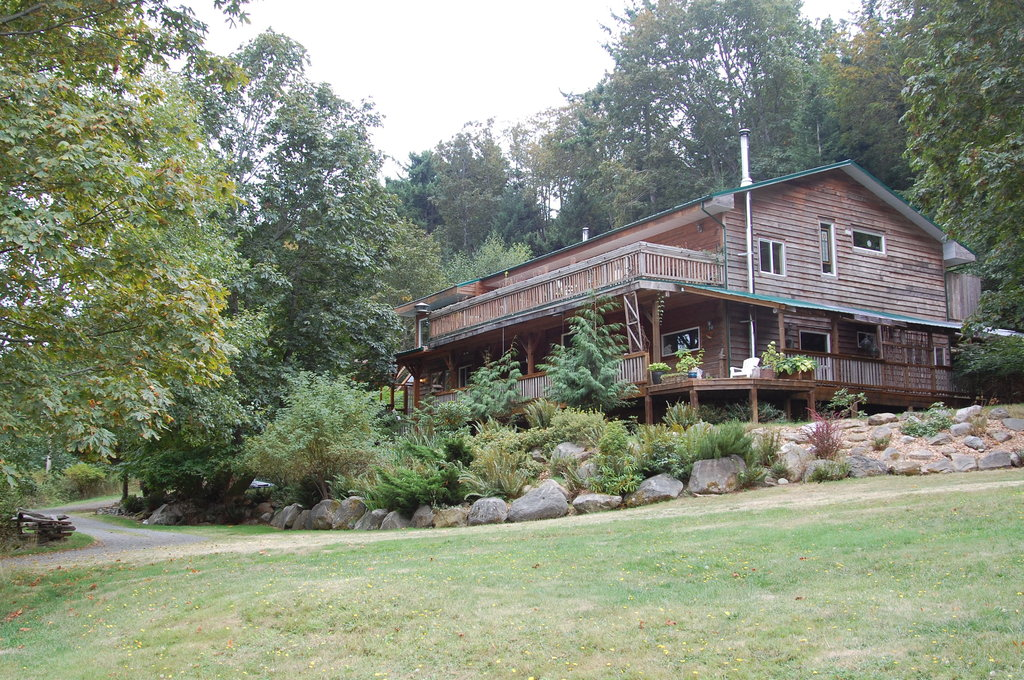 Hummingbird Lodge Bed and Breakfast