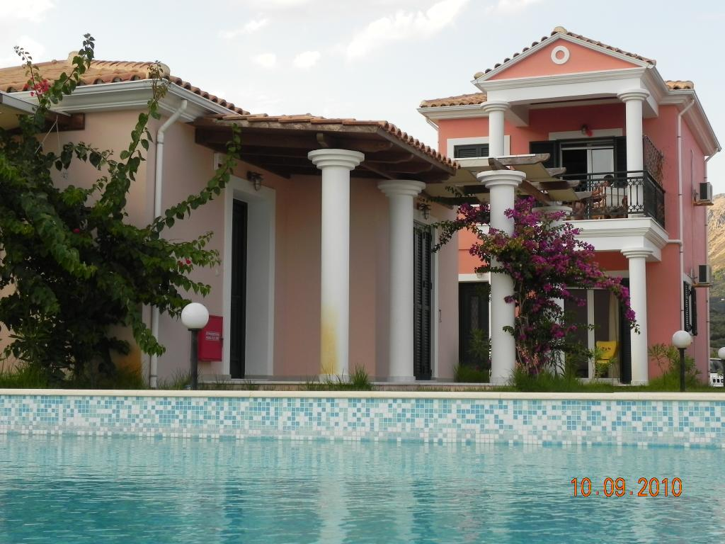 Aktes Villas
