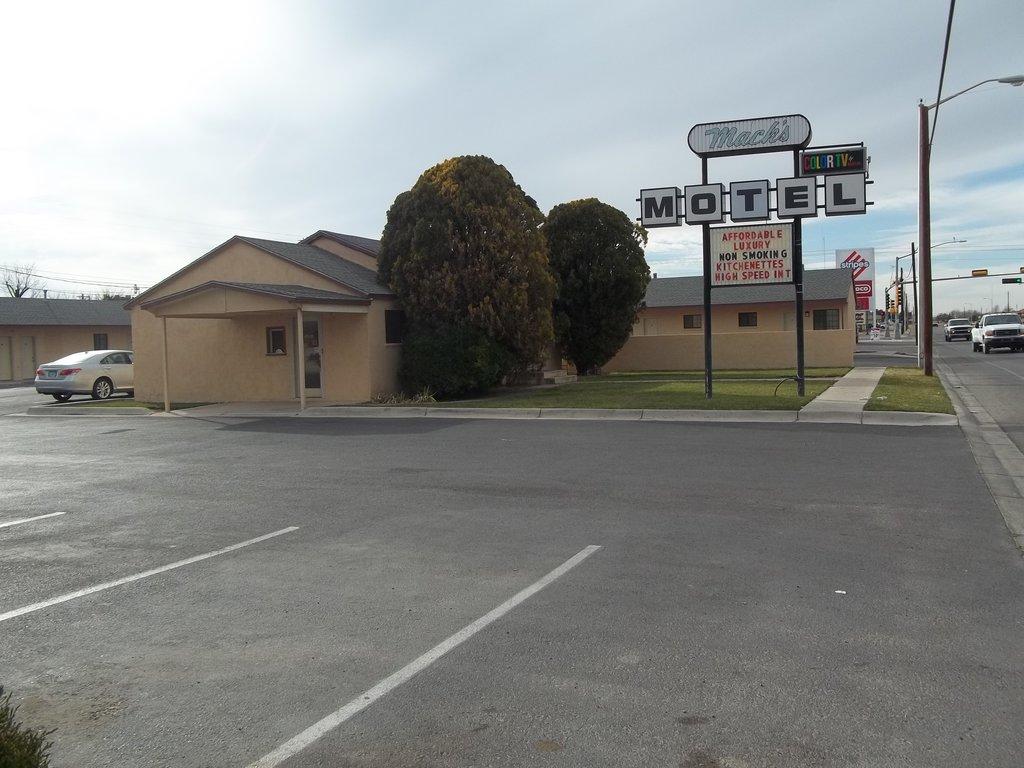 Mack's Motel