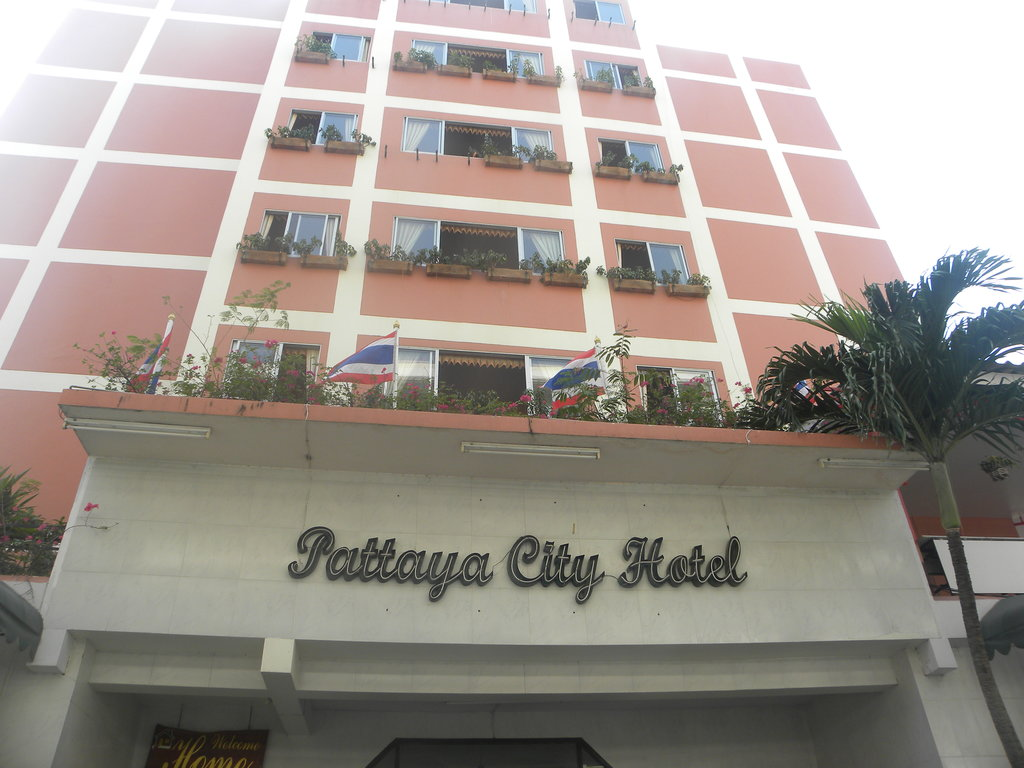 Home Pattaya Hotel