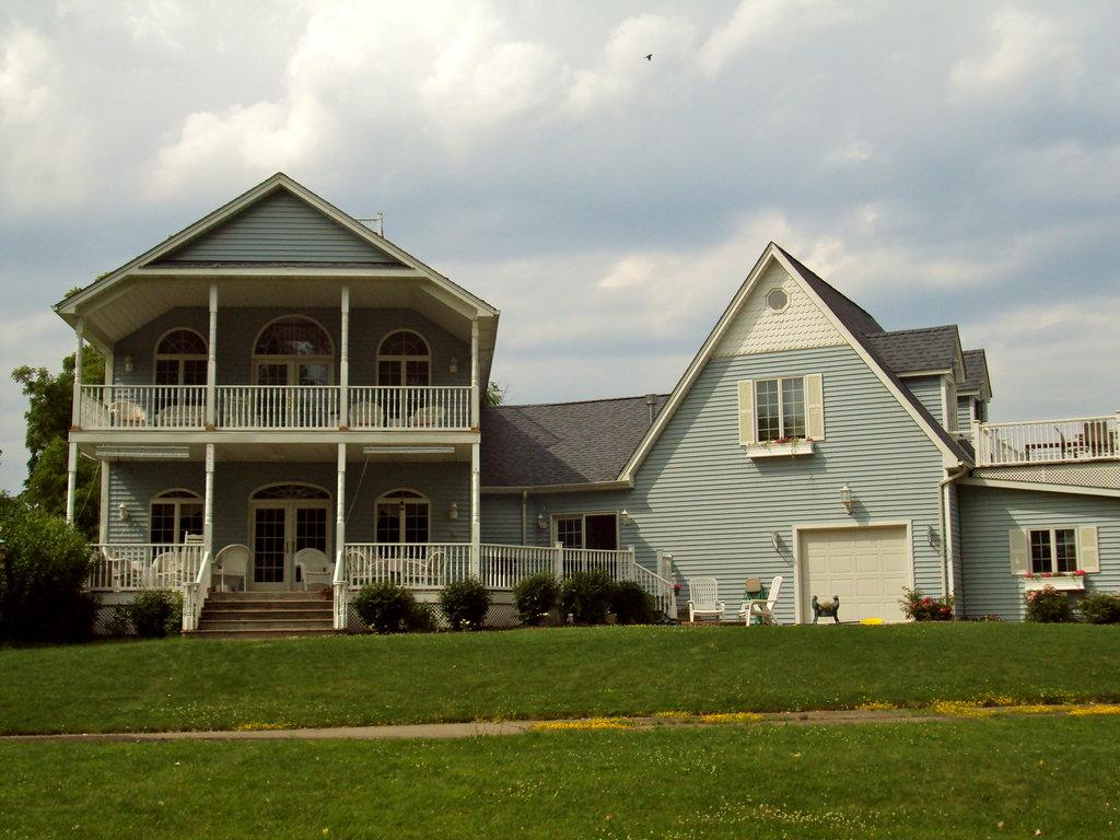 Porches of Pendleton